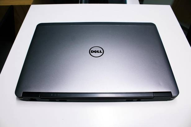 DELL E7240 i5-4300U 8GB 120GB SSD WIN 10 HOME