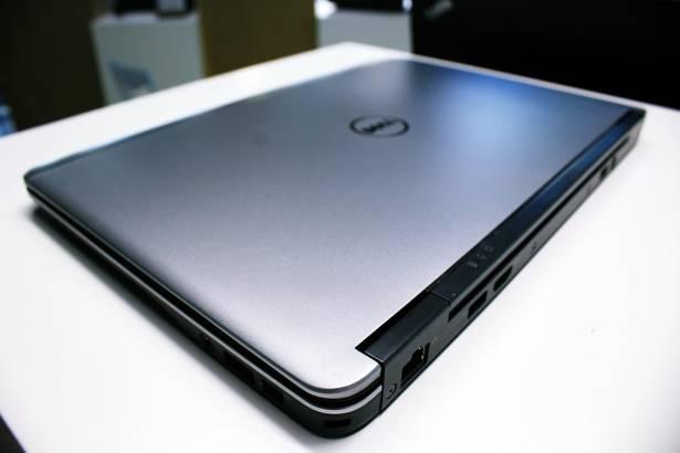 DELL E7240 i5-4300U 8GB 256GB SSD WIN 10 PRO
