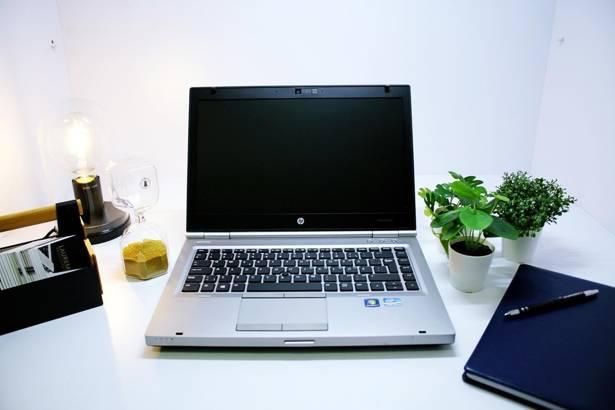 HP 8470p i5-3320M 4GB 240GB SSD WIN 10 HOME